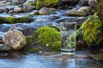 Protection des consommateurs : des solutions de filtration d'eau de source certifiées et efficaces